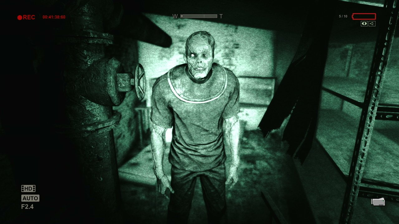 Outlast 2 (PS4) - TBA
